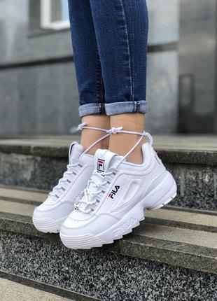 Прекрасные женские кроссовки fila disruptor белые
