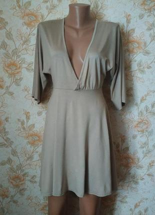 Сток. платье-туника. красивого бежевого цвета. на бирке-10 р-р...