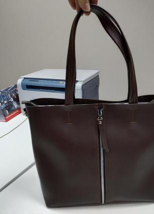 Вместительная сумка коричневая на плечо