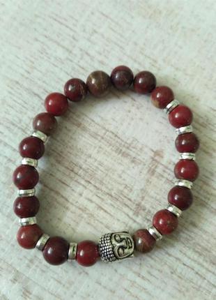Красивый браслет с буддой из натурального камня.