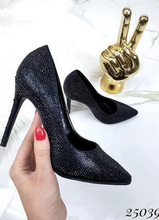 Шикарные туфли лодочки черные на каблуке