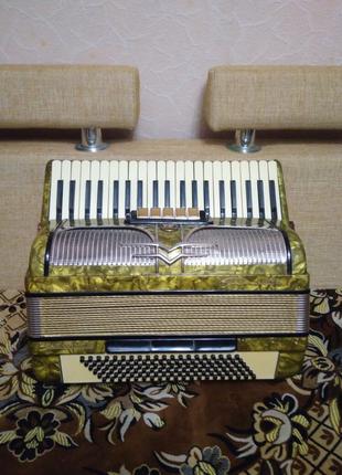 Німецький акордеон Firitti elegans, повний.
