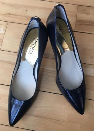 Кожаные туфли michael kors