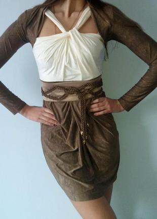 Платье цвета хаки с широким поясом