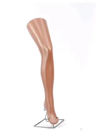 Манекен нога на подставке