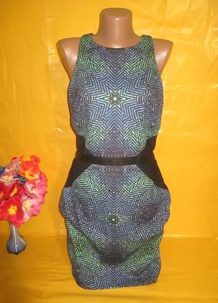 Очень красивое женское платье грудь 44 см !!!!!