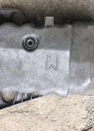 Б/у масляный поддон Renault 1.9dci, 8200833923 Laguna,