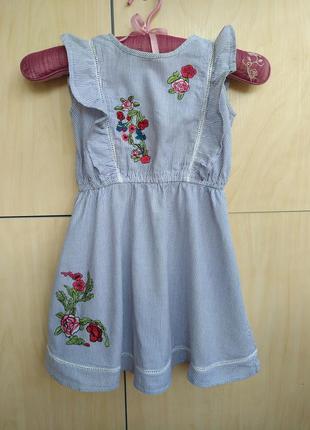 Хлопковое платье с вышивкой river island на 3-4 года