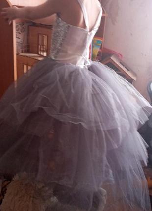 Нарядное новое платье с пайетками и шлейфом,на выпускной,рост ...