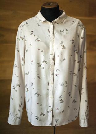 Элегантная блуза светло-бежевого цвета с принтом с птицами clo...