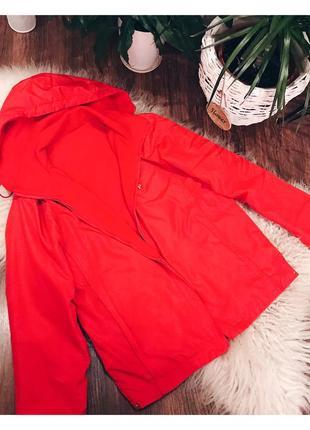 Двустороння красная куртка