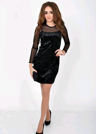 Облегающее вечернее платье черного цвета 115r078