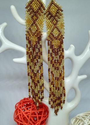 Золотистые серьги в этно стиле