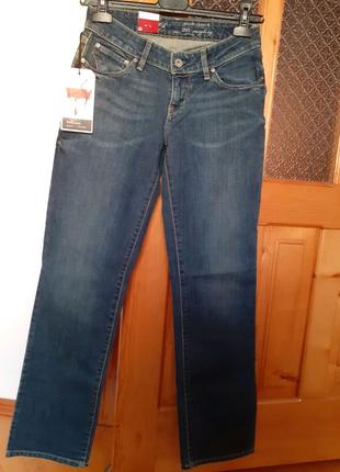 Джинсы Levi's, Straight leg. Новые!