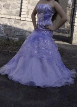 Выпусконое вечернее длинное фиолетовое, лиловое платье в пол б...