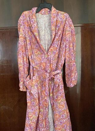 Большой ситцевый халат с длинными рукавами с карманами поясом