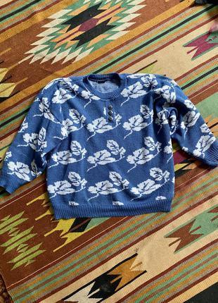 Синий шерстяной свитер