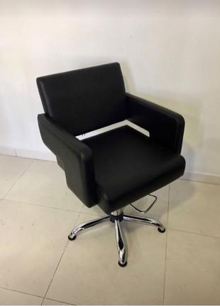 Кресло для стрижки с подъемным механизмом (черное) 1шт.