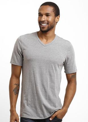 Оригинальная мужская футболка Nike с v-образным мысиком
