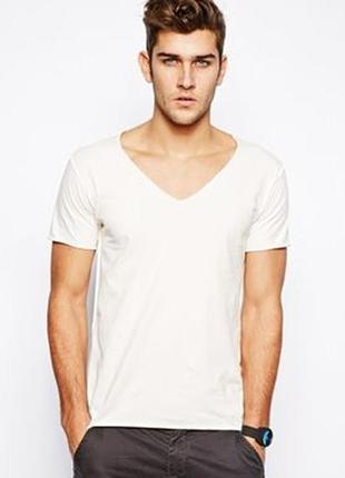 Молочная футболка с v-образным вырезом izzue,р-р s