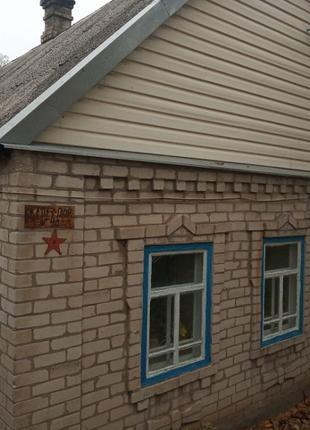 Обменяю дом в с.Приморское на квартиру в г.Запорожье