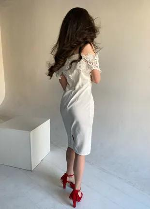 Белое платье миди с кружевом