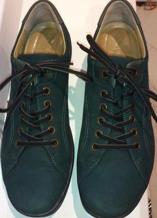Нубуковые женские туфли австрийского бренда Ladysko
