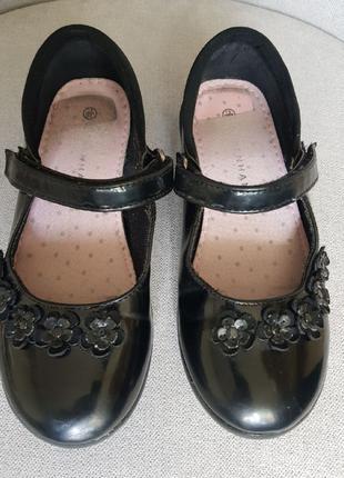 Лакированные, кожаные туфельки. DEBENHAMS