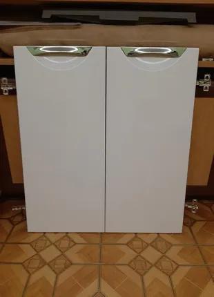 Новые дверцы для тумбы и настенного шкафчика в ванную