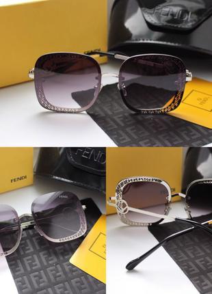 Новые очки в стиле фенди