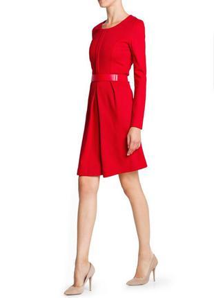 Красное платье футляр mango