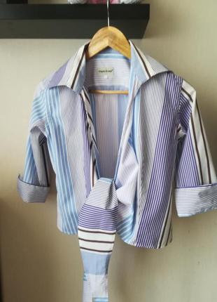 Короткая рубашка в полоску, на запах, узел
