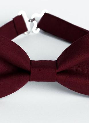 Бордовая галстук - бабочка