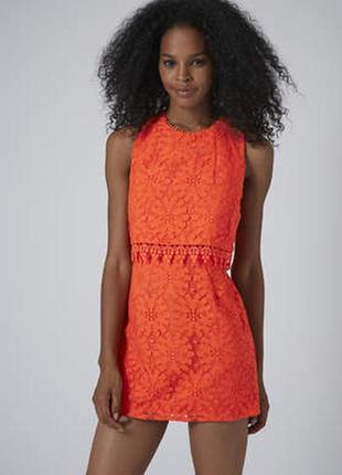 Красивое кружевное платье размера m-l