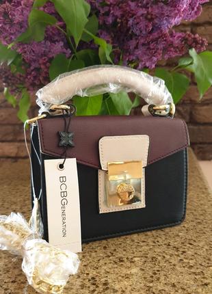 Новая американская маленькая женская сумка кроссбоди bcbg. Скидка