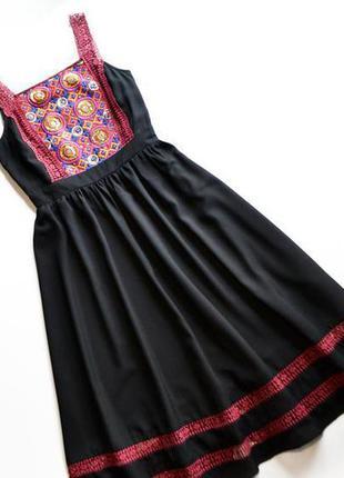 Роскошное черное платье с вышивкой от asos