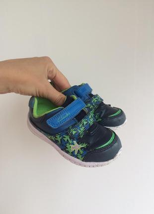 Clark's детские кроссовки. торг