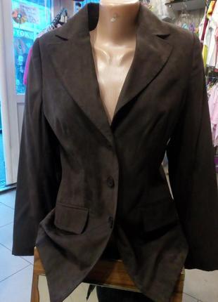 Женский коричневый пиджак