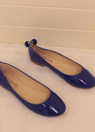 Шикарные балетки, туфли 35, 36 размера на низком ходу