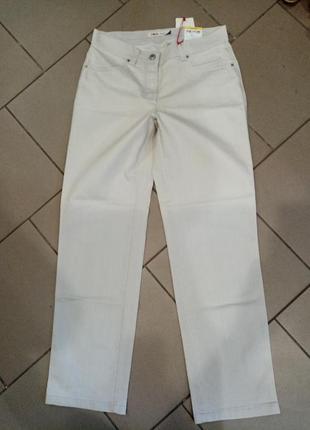 Новые женские светлые брюки высокая посадка р 46