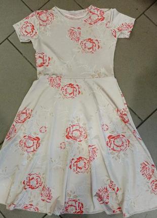Платье на девочек 9-10лет