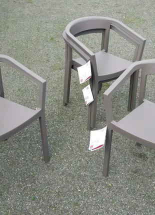 Стулья дизайнерские пластиковые. Испания.
