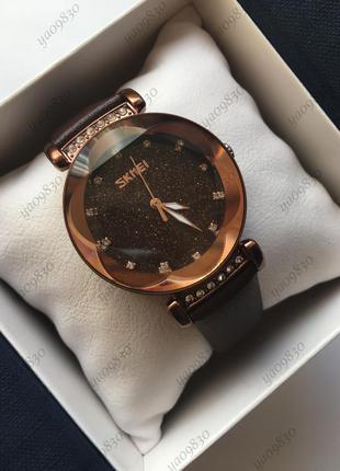 Женские наручные часы skmei, оригинал, на кожаном ремешке