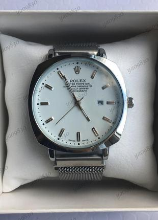 Стильные мужские наручные часы