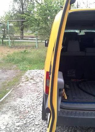 Уплотнитель центральный задних дверей Opel combo