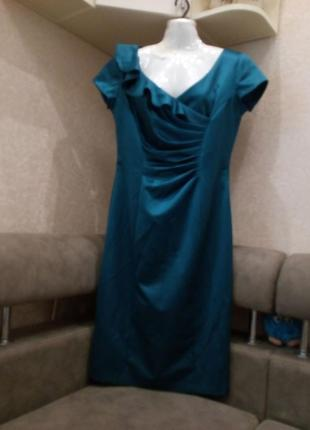 Элегантное  платье с драпировкой, на подкладке изумруд бренд k...