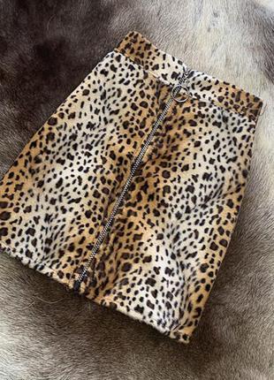 Леопардовая юбка мини с молнией и кольцом