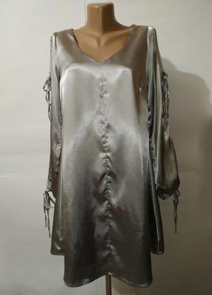 Платье атласное красивое v-образным вырезом m
