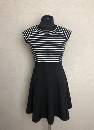 Красивое платье в полоску с юбкой солнце gloria jeans