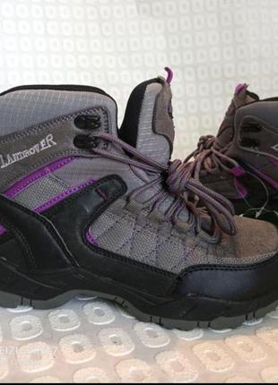 Landrover, фирменние спортивние ботинки